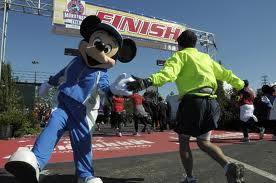Run Disney mickey high 5
